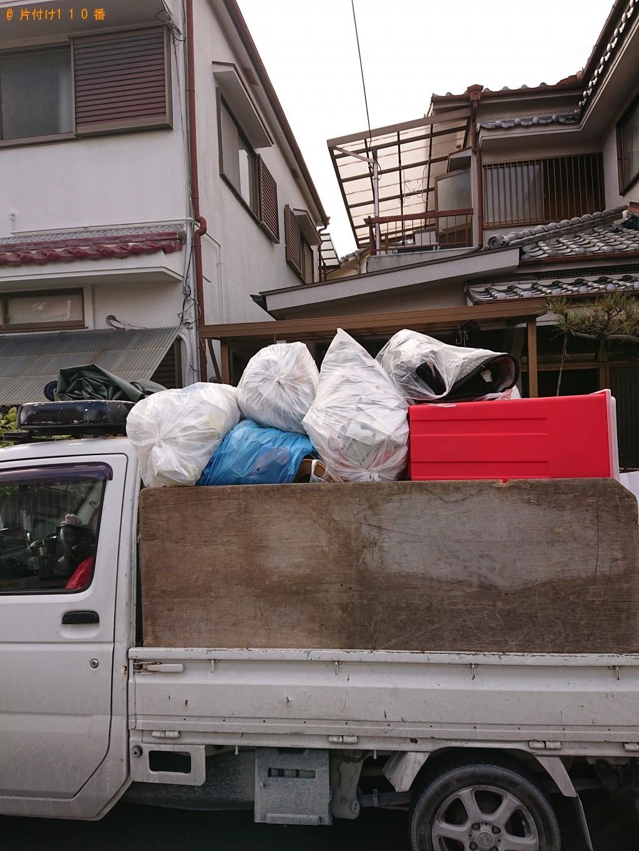 【堺市東区】椅子、テーブル、学習机、雑誌等の回収・処分ご依頼