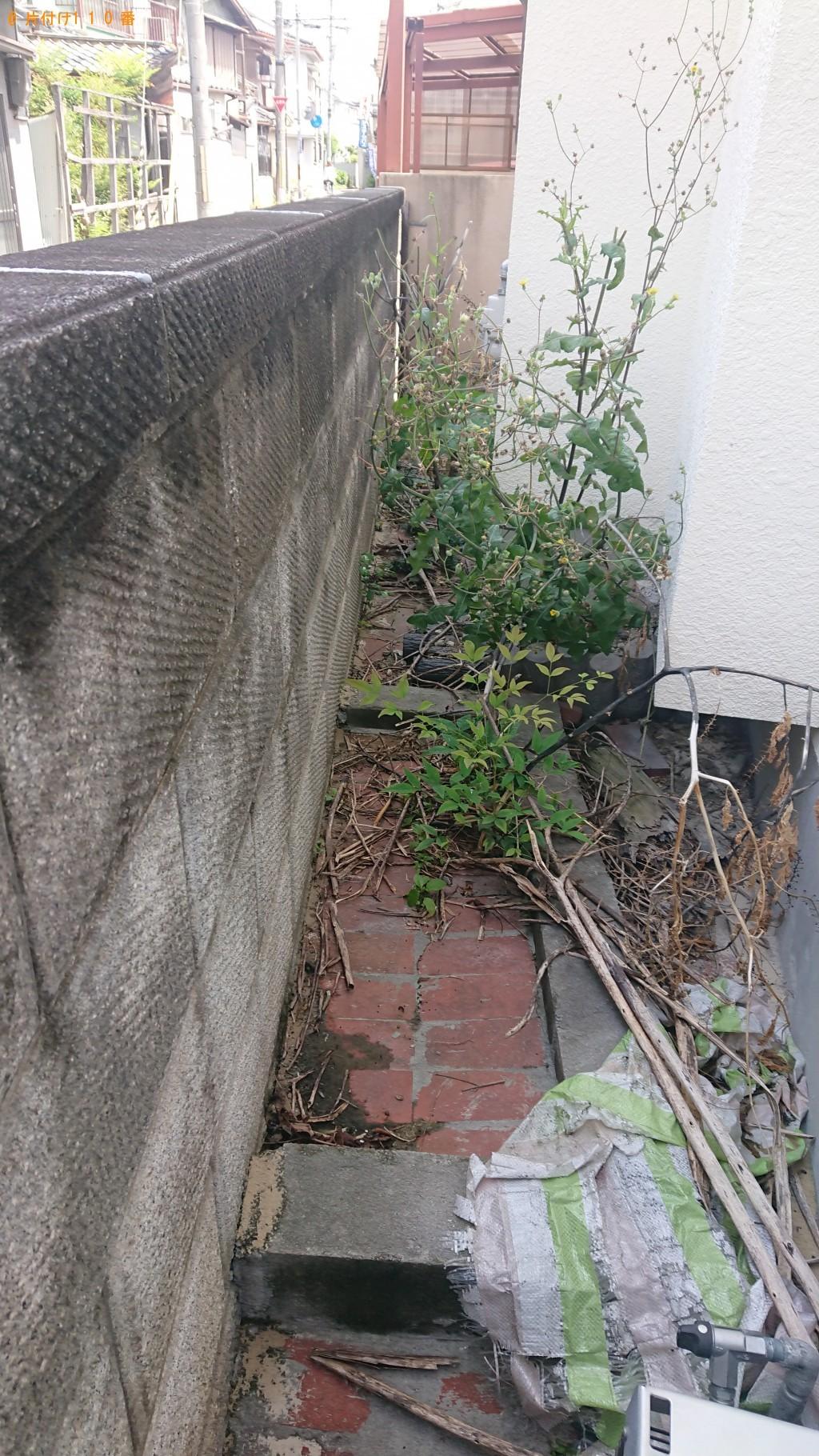 【八尾市末広町】草刈り作業と刈った草の回収・処分ご依頼