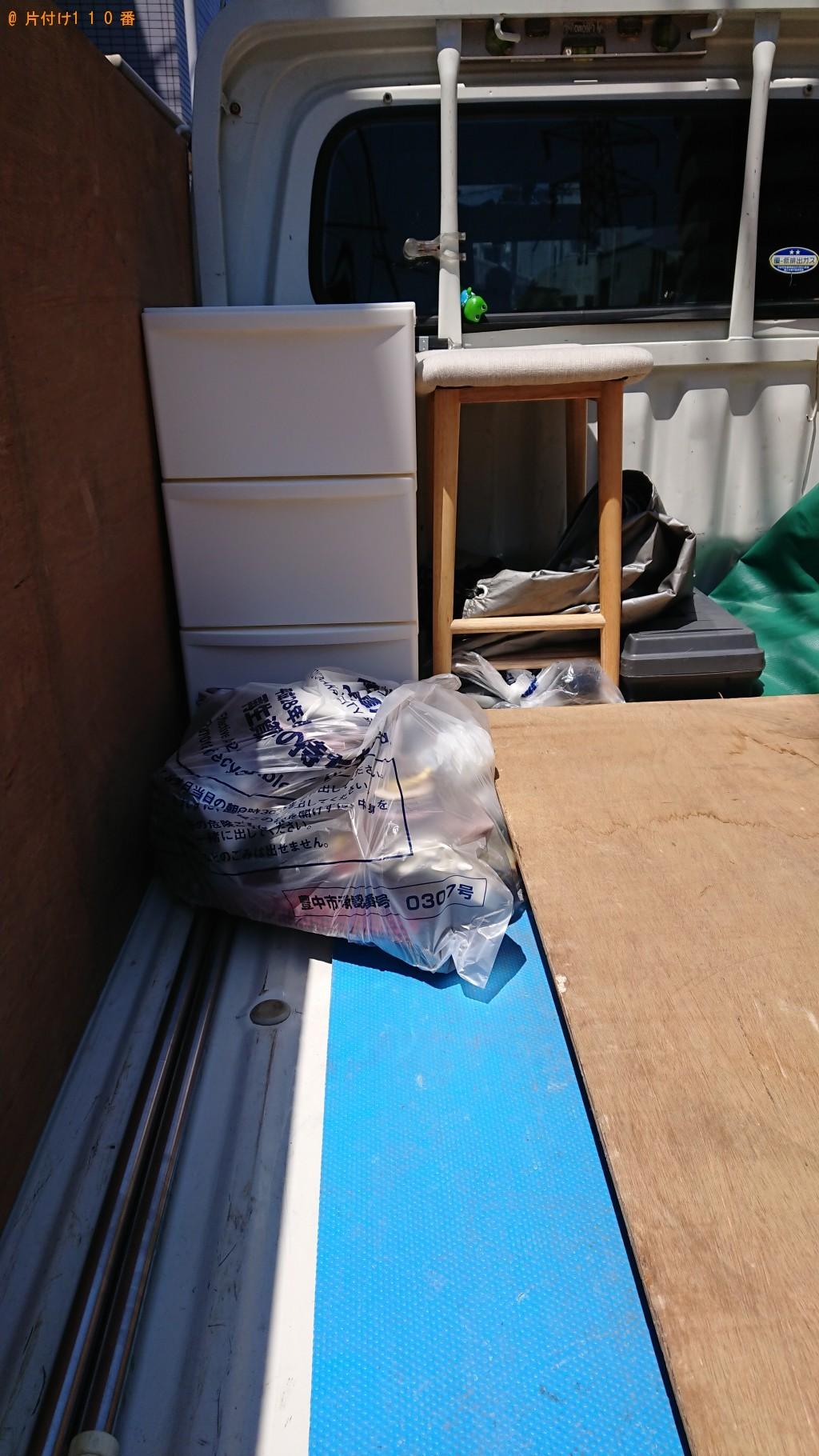 【豊中市野田町】遺品整理に伴い衣装ケース、椅子、パーテーション、一般ごみの回収