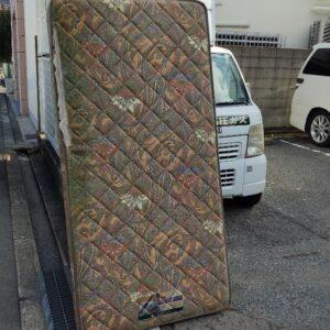 【大阪市西成区】シングルベッドマットレスの回収・処分ご依頼